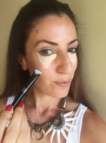 chantal-boyajian-live-authenchic-kat-von-d-concealer-lock-it-makeup-brush