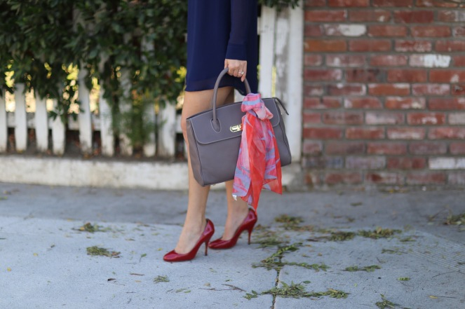 chantal-boyajian-los-angeles-stylist-handbag-tips-tying-scarf-ribbon-boyajian-trend-gallery